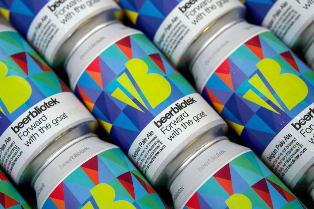 A photo pattern of cans of Forward with the goat, a Belgian Pale Ale, brewed at Swedish Craft Brewery Beerbliotek.