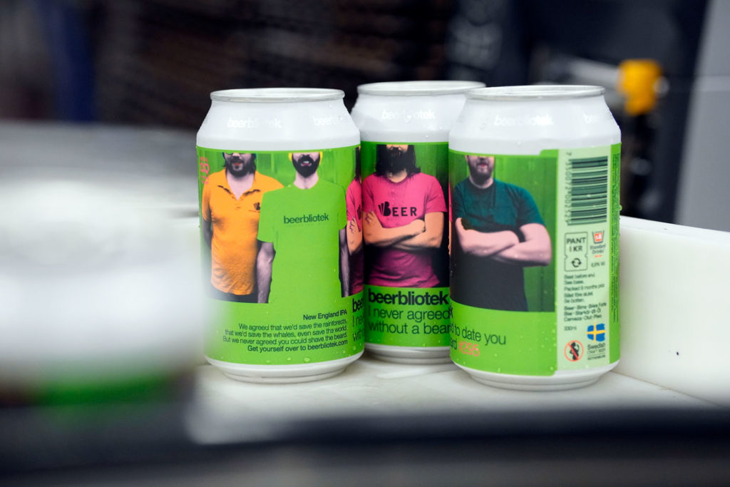 3 cans of I never agreed to date you without a beard, a New England IPA brewed in Gothenburg, by Swedish Craft Brewery Beerbliotek.