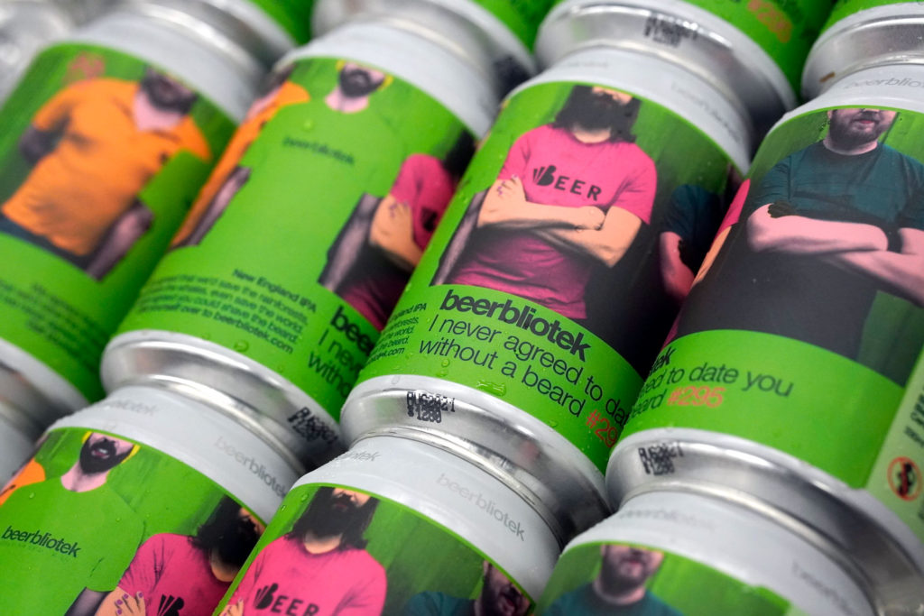A pattern of I never agreed to date you without a beard cans from the Swedish Craft Brewery Beerbliotek.