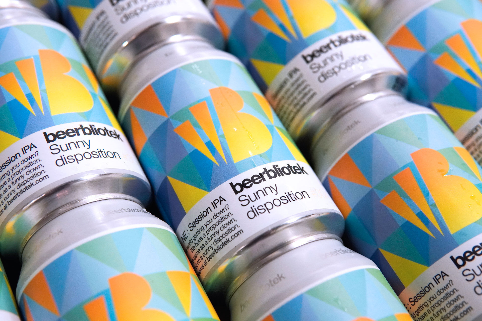 A can pattern of Sunny disposition, a New England Session IPA, brewed by Swedish Craft Brewery Beerbliotek.
