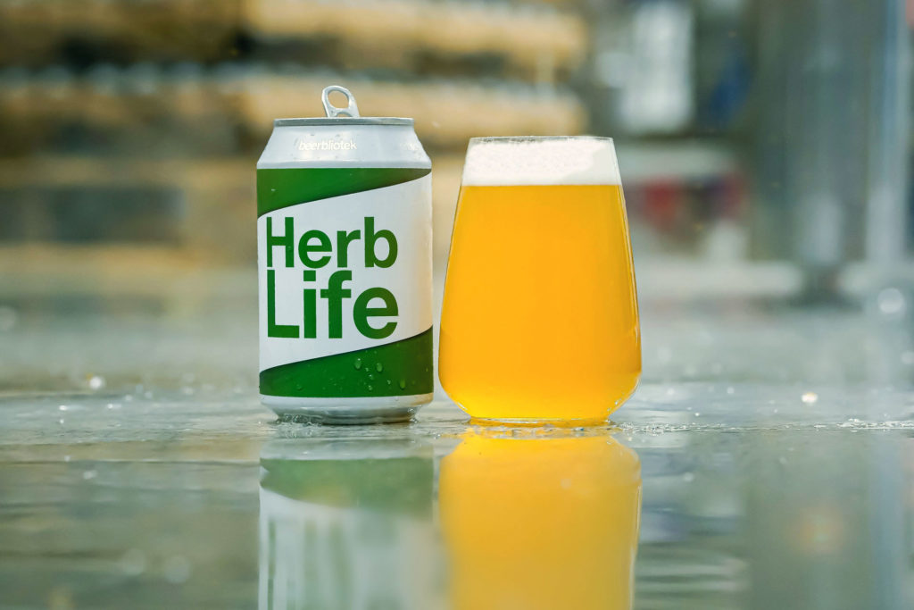 A tasting photo of Herb Life, an India Pale Ale, poured into a glass, at Swedish Craft Brewery Beerbliotek.