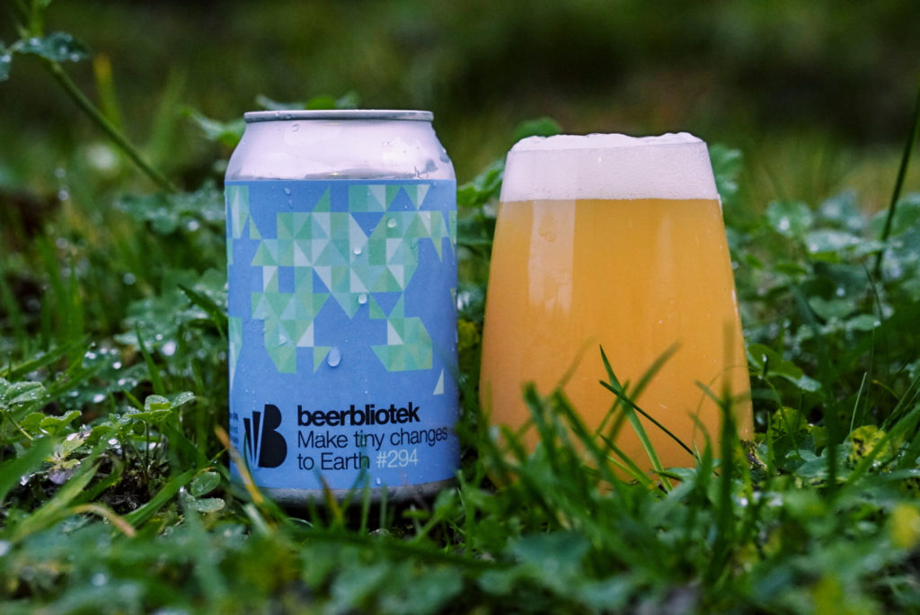 A tasting photo of Make tiny changes to Earth, a Session IPA brewed in Gothenburg, by Swedish Craft Brewery Beerbliotek.